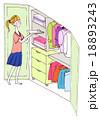 洋服を収納する女性(カラーバリエーショあり) 18893243