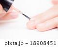 ネイル マニキュア 18908451