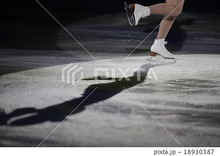 フィギュアスケートの靴 18930387