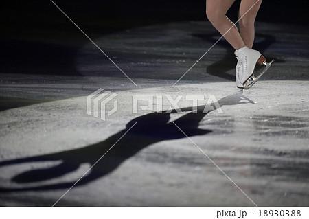 フィギュアスケートの靴 18930388