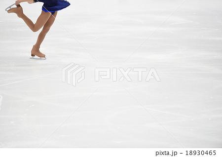 フィギュアスケートのフォーム 18930465