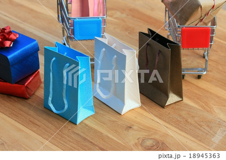 shopping bagsの写真素材 [18945363] - PIXTA