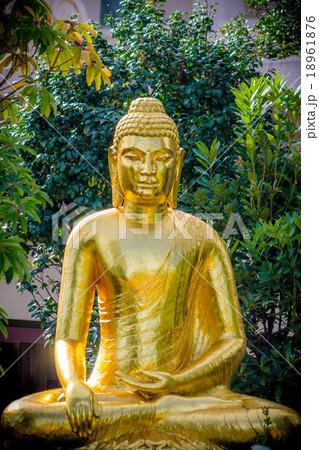 川崎大師 の金の仏像 降魔成道 釈迦如来像 18961876