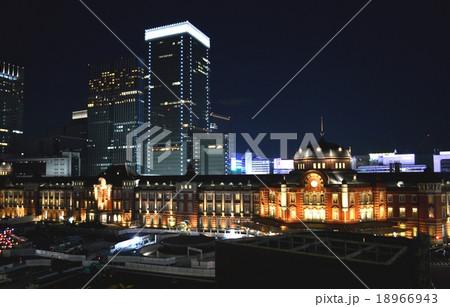 夜の東京駅 18966943