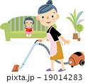 主婦 掃除 掃除機のイラスト 19014283