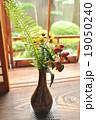 棚の花瓶 19050240