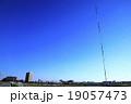 秋晴れの多摩川 19057473
