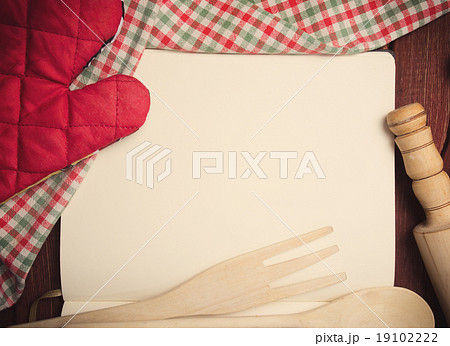 Blank recipe page with napkin and kitchen toolsの写真素材 [19102222] - PIXTA