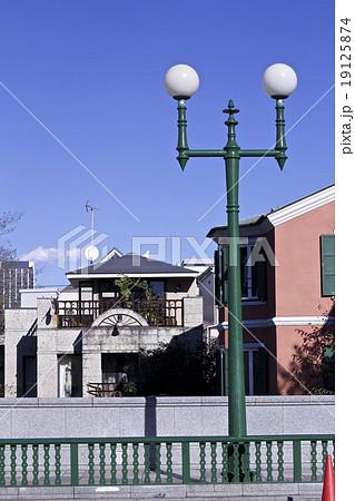 緑の街灯 代官山のカラフルな風景 19125874