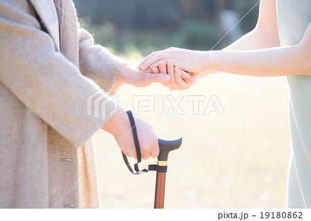 介護 女性 シニア 19180862