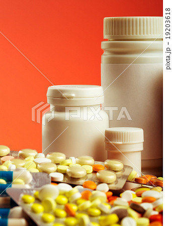 Colorful pillsの写真素材 [19203618] - PIXTA