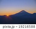 櫛形山より富士山の日の出 19216588