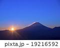 櫛形山より富士山の日の出 19216592