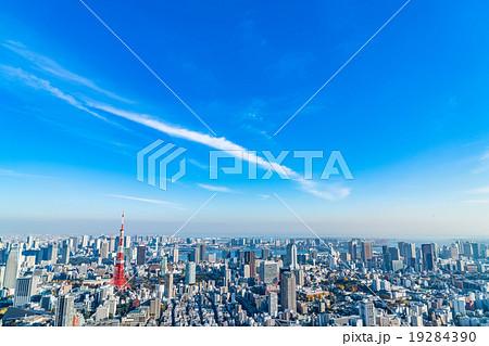 【東京】東京タワーと都市風景 19284390