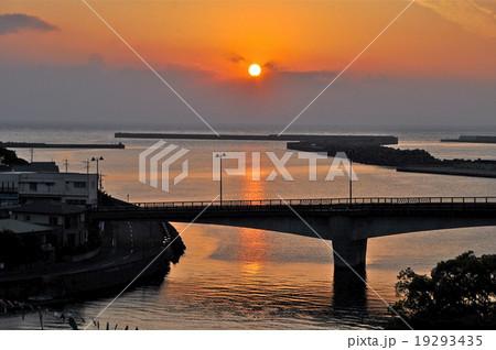 屋久島 安房港の日の出 初日の出イメージ 19293435