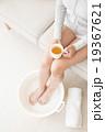 ビューティーイメージ 足浴する女性の足 19367621