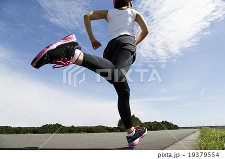 ジョギング 19379554