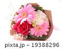 バラ 花束 ブーケ カーネーション 母の日 プレゼント ピンク お祝い フラサーアレンジメント感謝  19388296