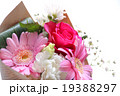 バラ 花束 ブーケ カーネーション 母の日 プレゼント ピンク お祝い フラサーアレンジメント感謝  19388297