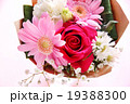 バラ 花束 ブーケ カーネーション 母の日 プレゼント ピンク お祝い フラサーアレンジメント感謝  19388300