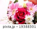 バラ 花束 ブーケ カーネーション 母の日 プレゼント ピンク お祝い フラサーアレンジメント感謝  19388301