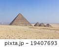 エジプトギザのピラミッド 19407693