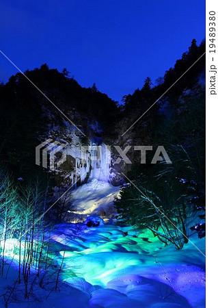 平湯大滝 ライトアップ 19489380