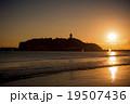 夕日 海 海岸の写真 19507436