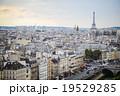 パリ 19529285