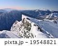 西穂高岳山頂から望む冬の稜線 19548821