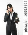 黒電話と女の子 19558492