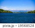 釜房湖 蔵王連峰 湖の写真 19568528