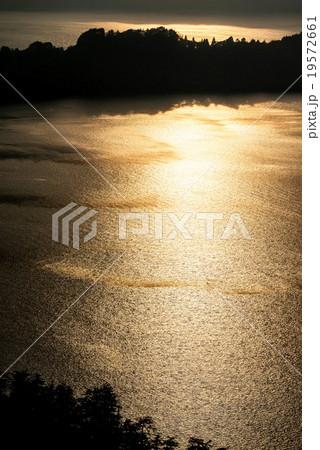 十和田湖の夕景 19572661