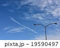 青空と街灯 19590497