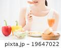 朝食イメージ 女性 19647022