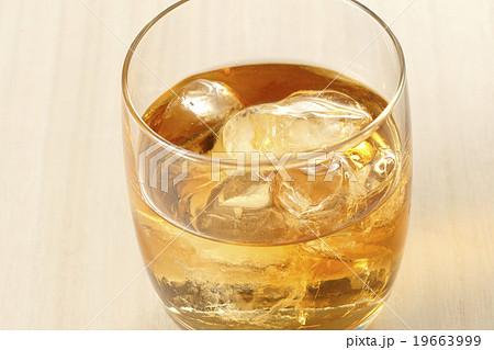 ウイスキー 19663999