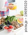 キッチン 食材 鍋の写真 19695020