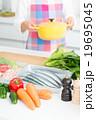 キッチン 食材 鍋の写真 19695045