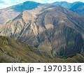 山の中の渦巻きの谷 19703316