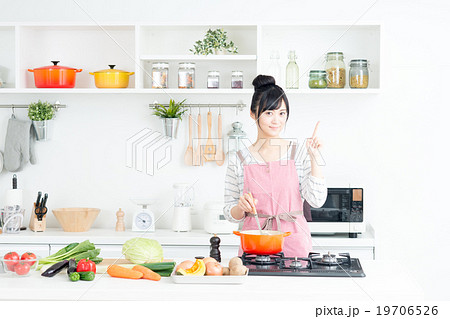 主婦(キッチン-料理) 19706526