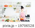主婦(キッチン-料理) 19706528