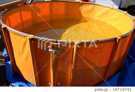 組み立て式大型貯水槽、塩ビ製ターポリン 19719741