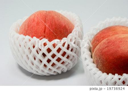甘い日本産の桃の写真素材 [19736924] - PIXTA