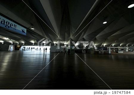 横浜港 大さん橋ホール 19747584