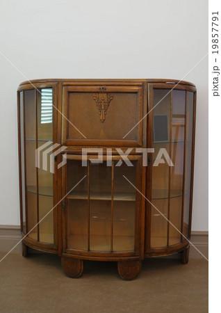 19世紀のフランス製 デザート棚 アンティーク家具 正面縦 松本市旧司祭館 19857791