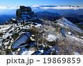 金峰山山頂から五丈岩と南アルプスの展望 19869859