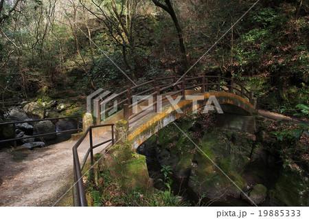 太鼓橋。天安河原で最高のパワースポットと言われる橋。 19885333