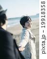 海辺の女性 19918358