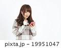 女性 若い スマートフォンの写真 19951047