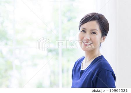 40代の日本人女性 19965521
